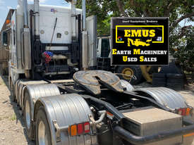 2010 Freightliner Argosy 110 Prime mover, ice pack. E.M.U.S. TS526 - picture2' - Click to enlarge