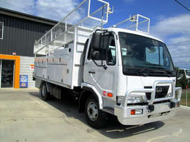 UD MK5 Service Body Truck - picture2' - Click to enlarge
