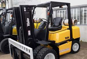 Yale 4 Ton forklift 4300mm container mast 2008 model Dual new wheels
