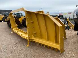2020 Caterpillar D8N/R & T Folding Stick Rake  - picture0' - Click to enlarge