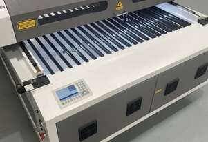 150W 1.3m x 2.5m Co2 Laser cutting machine