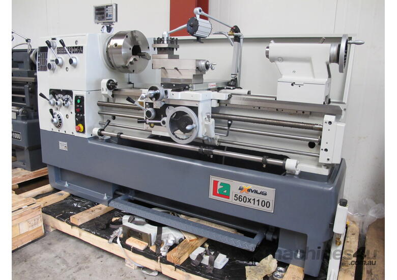 � 560mmm Swing Centre Lathe, 80mm Spindle Bore, Taiwanese