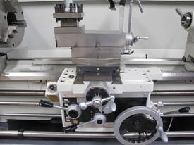 � 560mmm Swing Centre Lathe, 80mm Spindle Bore, Taiwanese - picture8' - Click to enlarge