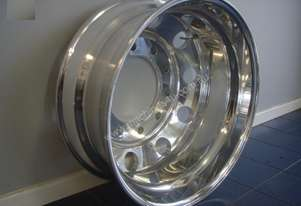 Aftermarket POLISHED DRIVE ALLOY RIMS