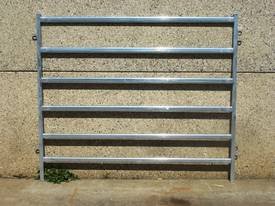 Cattle / horse Yard Panels 6 oval rails round
