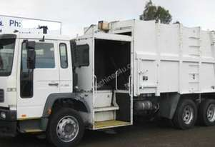 2003 Volvo FL6 Waste Disposal,6x4