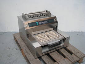 Semi-Automatic Tray Sealer Sealing Packing Machine - picture0' - Click to enlarge