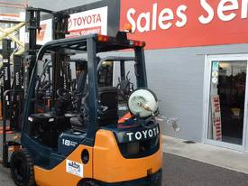 TOYOTA 8 SERIES 1.8 TON   - picture3' - Click to enlarge