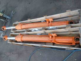 HYDRAULIC RAMS X 2/ 1METRE STROKE, - picture0' - Click to enlarge