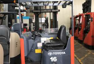 TOYOTA 6FBRE16 REACH TRUCK 6-8M LIFT NEW BATTERY