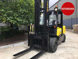 5T Diesel Counterbalance Forklift - picture1' - Click to enlarge