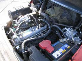 TOYOTA 32-8FG25 DELUXE LPG  with Container Mast - picture11' - Click to enlarge