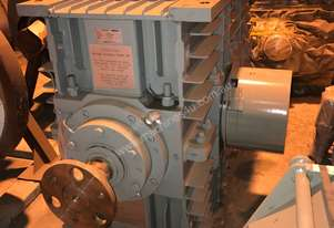 370 kw Reduction Gearbox 10 : 1 Ratio
