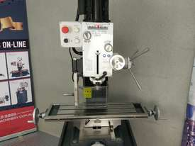 Geared Head Milling Machine Metex DM45 240v MT4 or R8 - picture12' - Click to enlarge