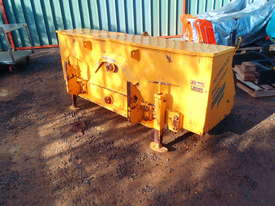 Free Roll Horwood Bagshaw Roller - picture5' - Click to enlarge