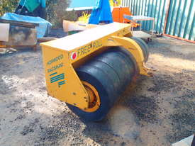 Free Roll Horwood Bagshaw Roller - picture8' - Click to enlarge