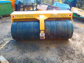 Free Roll Horwood Bagshaw Roller - picture10' - Click to enlarge