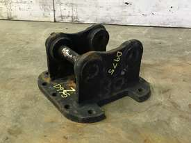 HEAD BRACKET TO SUIT 1-2T EXCAVATOR D975 - picture3' - Click to enlarge