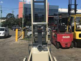 Crown Walk behind Stacker - New Batteries - Great refurbished unit with Warranty - picture2' - Click to enlarge