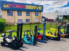 Crown Walk behind Stacker - New Batteries - Great refurbished unit with Warranty - picture7' - Click to enlarge