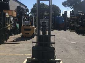 Crown walk behind Stacker - New Batteries - Great refurbished unit with Warranty - picture4' - Click to enlarge