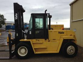 Big Forklifts for hire - picture3' - Click to enlarge