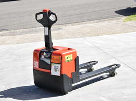 BT 1.31T Powered Pallet Mover HIRE from $155pw + GST - picture0' - Click to enlarge