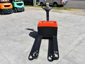 BT 1.31T Powered Pallet Mover HIRE from $155pw + GST - picture2' - Click to enlarge