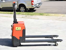 BT 1.31T Powered Pallet Mover HIRE from $155pw + GST - picture3' - Click to enlarge