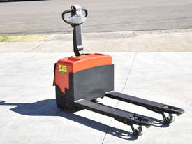 BT 1.31T Powered Pallet Mover HIRE from $155pw + GST - picture6' - Click to enlarge