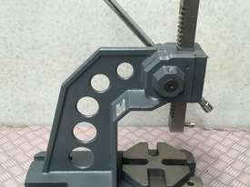 Arbor Press 2 Ton OPTIMUM Germany- Precision Design - Bearing Riveting Staking - picture9' - Click to enlarge