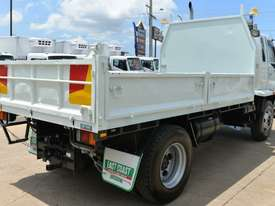 2007 MITSUBISHI FM65F  Tipper   - picture5' - Click to enlarge
