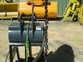 Hydrapower Rock Saw - picture2' - Click to enlarge