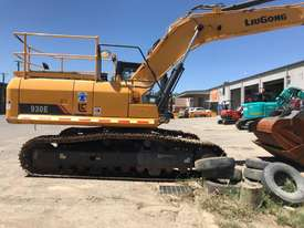2016 LiuGong 930 Excavator - 30T with only 300 hrs - picture1' - Click to enlarge