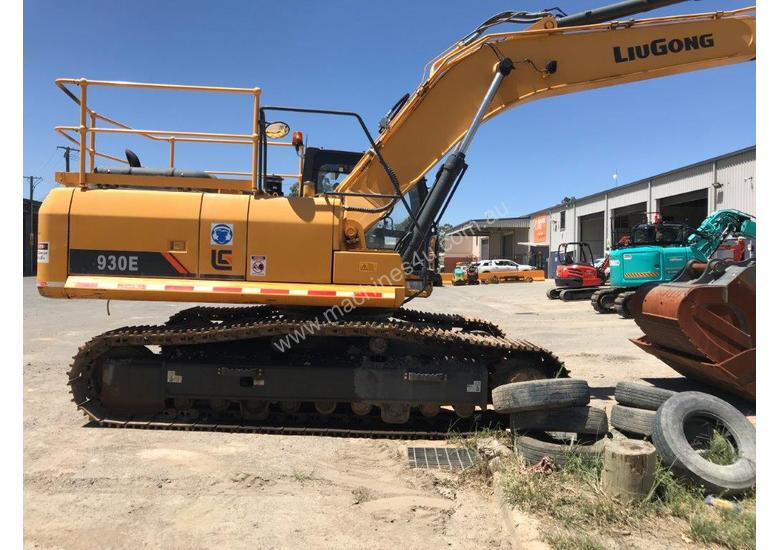2016 LiuGong 930 Excavator - 30T with only 300 hrs
