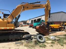 2016 LiuGong 930 Excavator - 30T with only 300 hrs - picture2' - Click to enlarge
