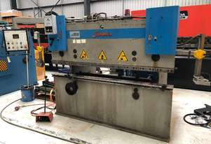 Baykal APH 2103-40 Pressbrake. Good condition with Lazersafe guards