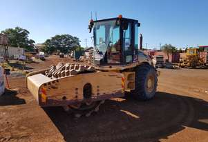 2006 Caterpillar CP-633E Vibrating Padfoot Roller *CONDITIONS APPLY*