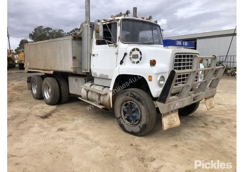 1976 Ford 9000