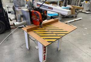 heavy duty Radial arm saw at 60% of replacement