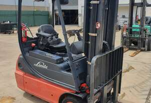 Linde Electric 1.6T Forklift with brand new batteries