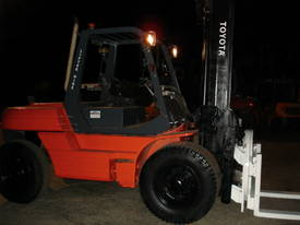 FORKLIFT TCM TOYOTA CROWN FD70Z8 HIRE OR BUY - picture12' - Click to enlarge