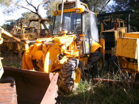 5 ton , 4 wheel steer , enclosed cabin ,  - picture0' - Click to enlarge