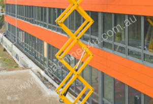 32 Ft Rough Terrain Scissor Lift