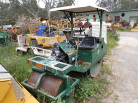 cricket pitch roller , 2cyl diesel , all hyd ,  - picture6' - Click to enlarge