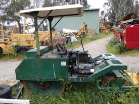 cricket pitch roller , 2cyl diesel , all hyd ,  - picture7' - Click to enlarge