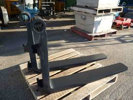 HEAVY DUTY 5 TON, FORK LIFT TYNES - picture1' - Click to enlarge