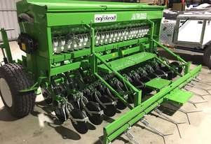 Lina twin disc seed drill with fertilizer