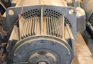 520 kw 700 hp 4 pole 6000 v Siemens AC Electric Motor