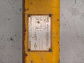 USED FORKLIFT SPREADER - picture1' - Click to enlarge